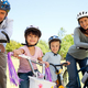 Thumb_family-riding-bikes