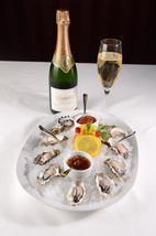 Fresh oysters with Schramberg Blanc de Blancs is classic pairing recommended by de Santos