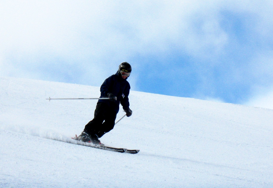 The Snowmen Hill Group — A Fun-Lovin' Fellowship of Skiers | Enjoy Magazine