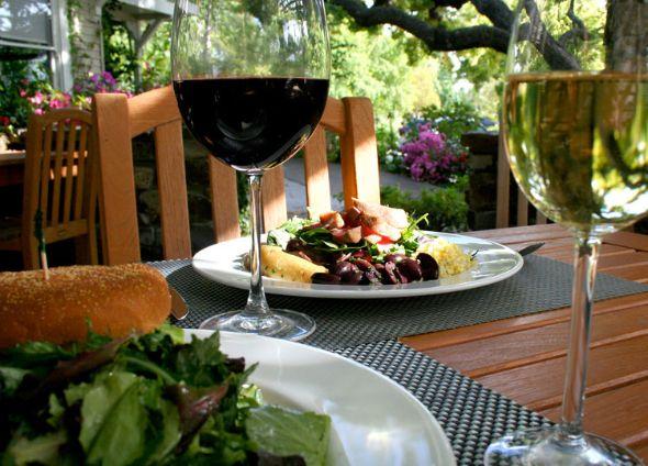 Wine & Roses Hotel & Restaurant