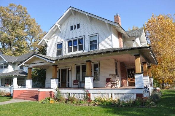 Seven Porches Guesthouse