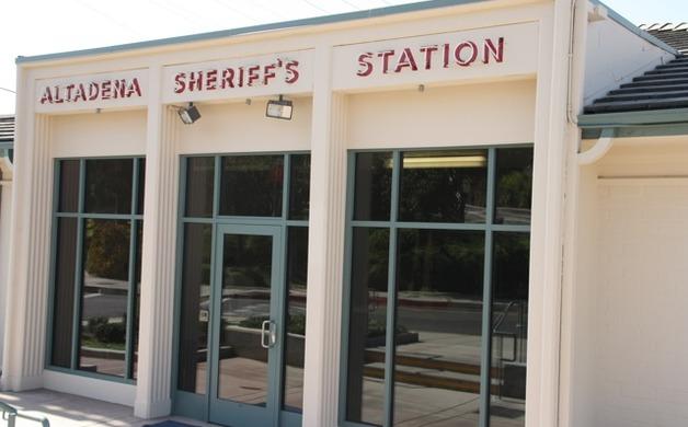 Deputies arrest four in drug, weapons bust | Altadena Point