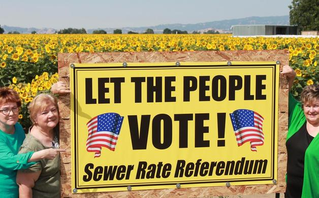Main_image_2228-let-people-vote-sign-img_9880