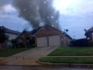 Medium_fire-on-elliott-in-mansfield---credit-kim-whipple-facebook