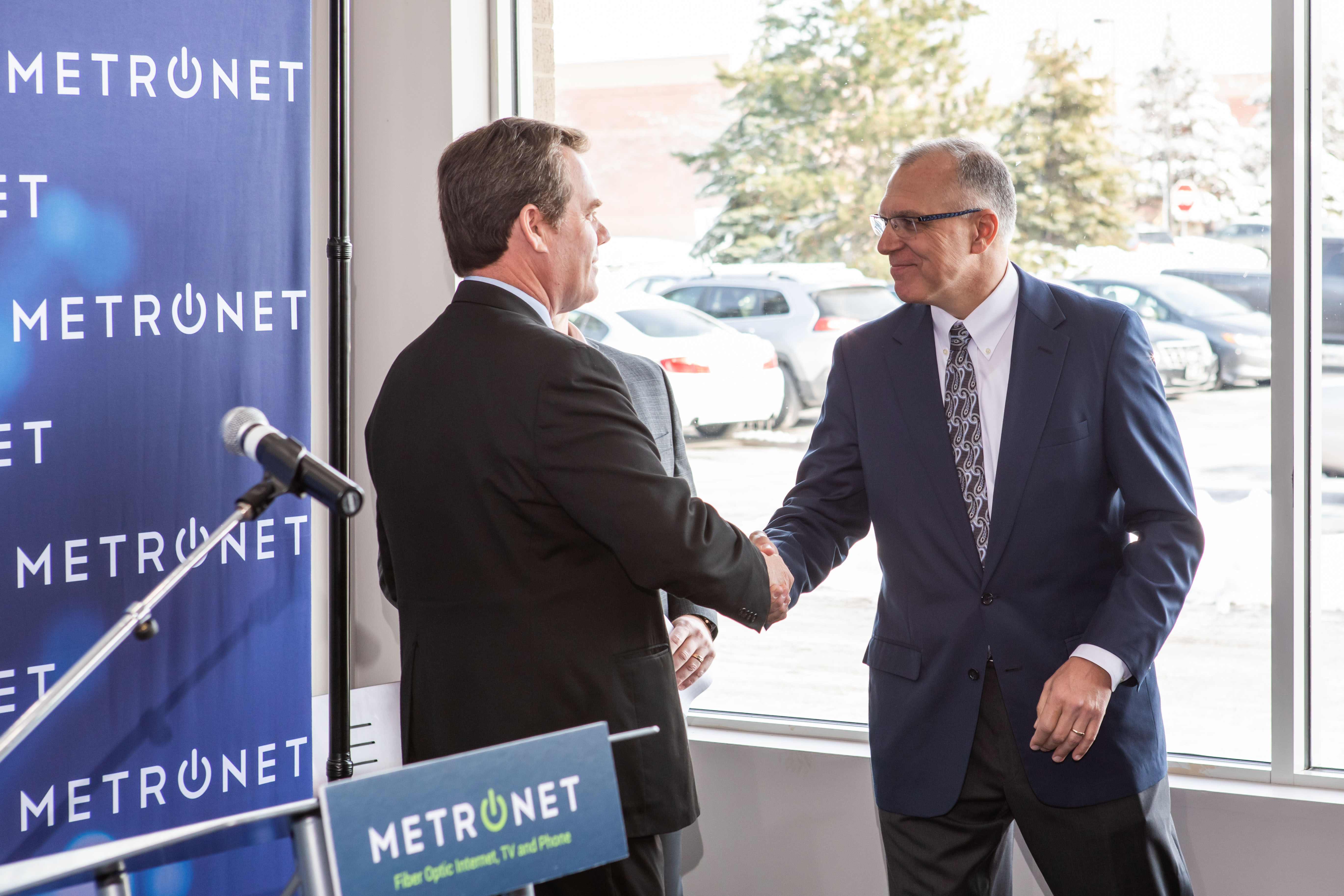 New Business, MetroNet, Officially Activates the Fox River